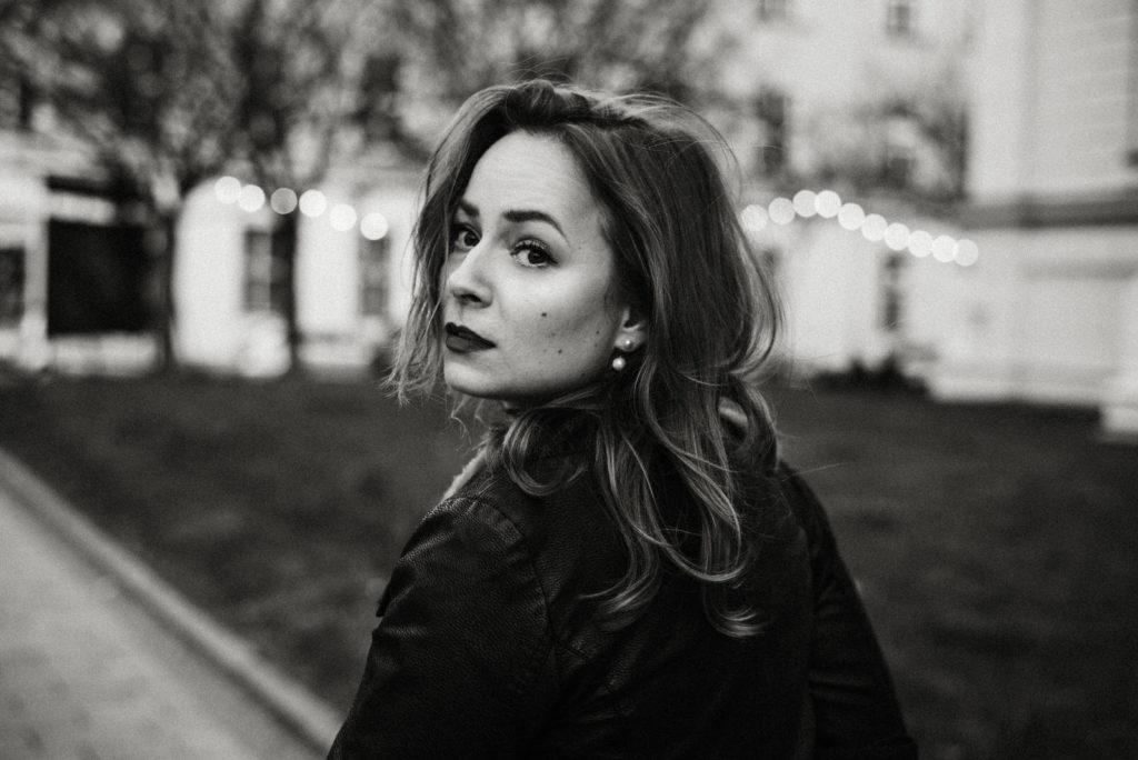 Suzanne foto portrét